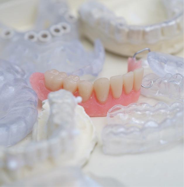 Protesi dentali | Servizi | Studio Dentistico Banzi a Pieve di Cento (BO)